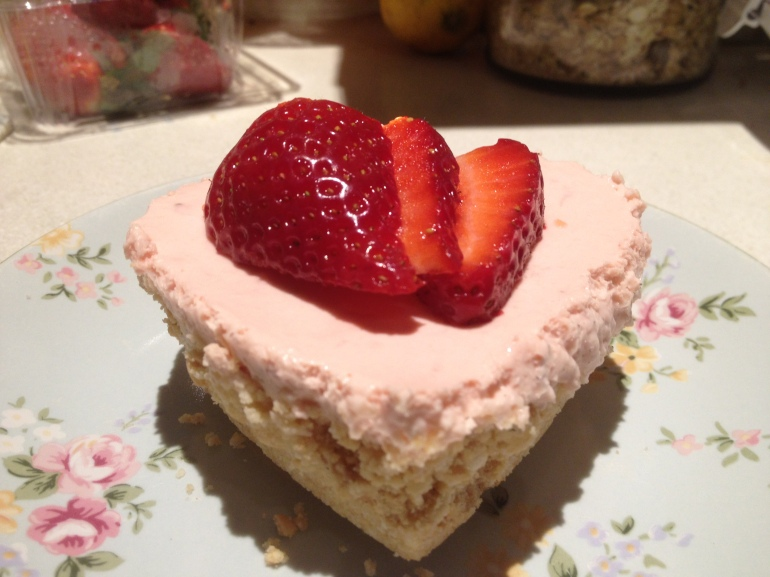 Finally: cheesecake success with a strawberry on top