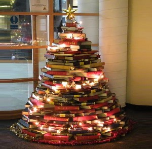 Book-Christmas-Tree-300x294